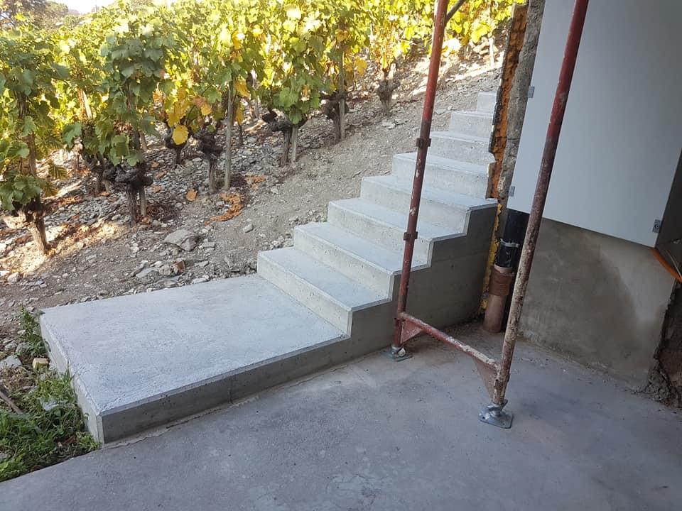 Création d'un escalier en béton apparent à Sierre